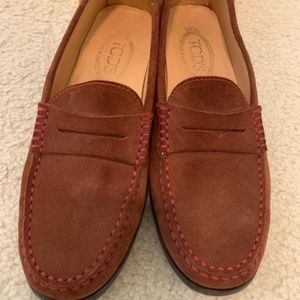 Tod's Classic Brown Suede Loafers Moccasins Sz. 9